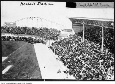 Hanlan's Point Stadium. - [ca. 1912]